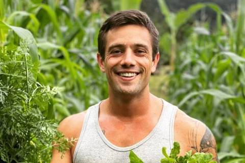 O ator Rafael Cardoso em foto postada em sua rede social