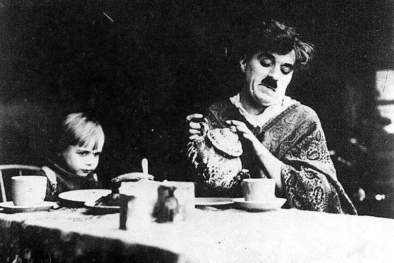 Na véspera do aniversário de Chaplin, um brinde com o coquetel que leva seu nome