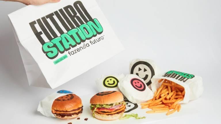 Hambúrgueres servidos na Futuro Station, a lanchonete da Fazenda do Futuro