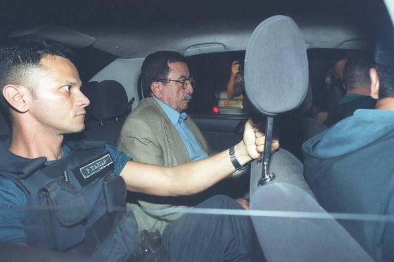 Em 2010, o coronel Mário Colares Pantoja deixa o Tribunal de Justiça do Pará depois do julgamento em que foi condenado a 228 anos de prisão pela morte de 19 sem-terra em Eldorado do Carajás em abril de 1996
