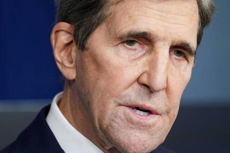 O enviado dos EUA para o clima, John Kerry, durante entrevista coletiva na Casa Branca, em Washington