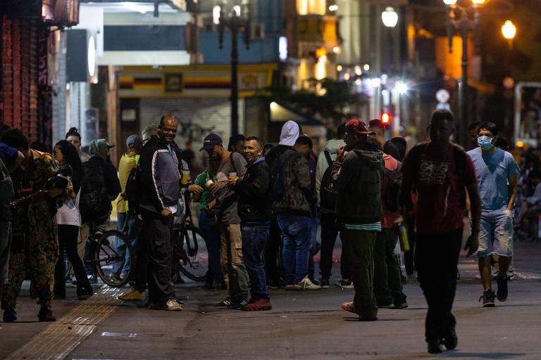 Aglomerações persistem mesmo na fase crítica da pandemia