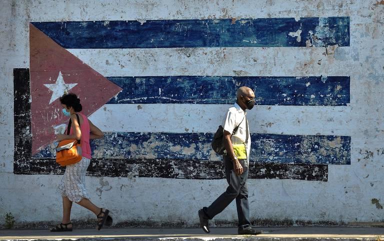 Lula e Chico Buarque assinam carta no NYT contra embargo americano a Cuba