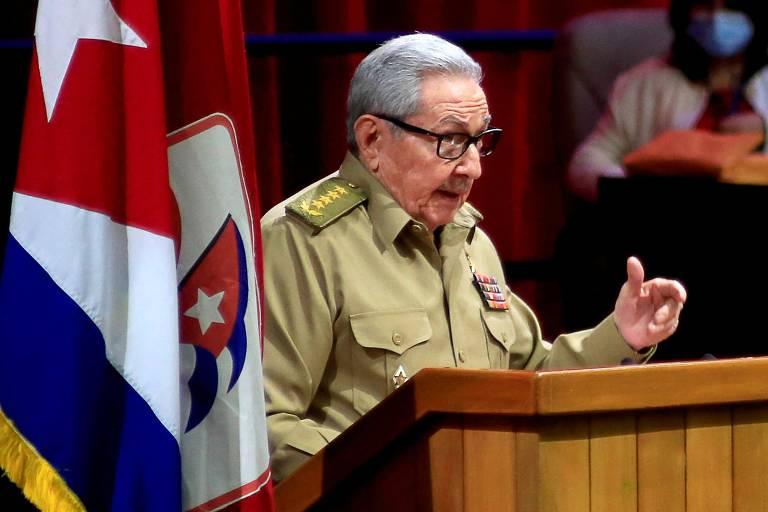 Raúl Castro, 89, faz discurso de abertura no 8º Congresso do Partido Comunista de Cuba (PCC), no qual anunciou que deixa o comando da sigla