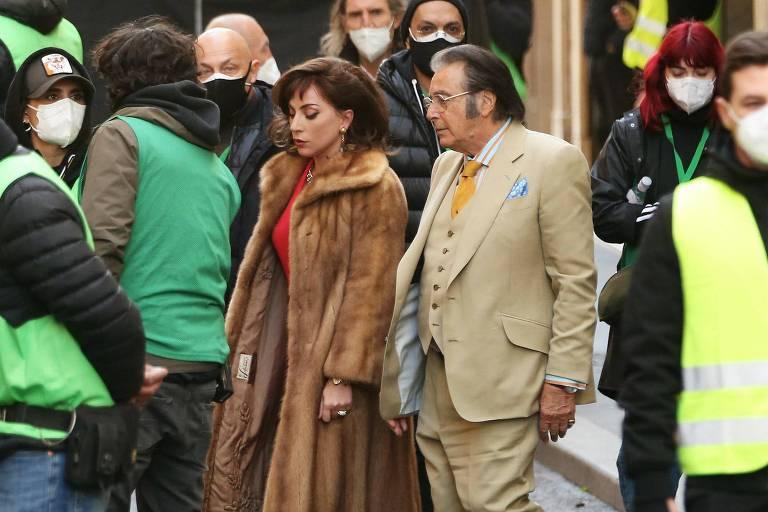 Lady Gaga e Al Pacino nas gravações de 'House of Gucci'