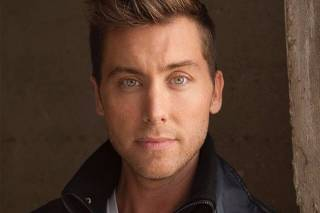 O cantor, ator e produtor de filme James Lance Bass