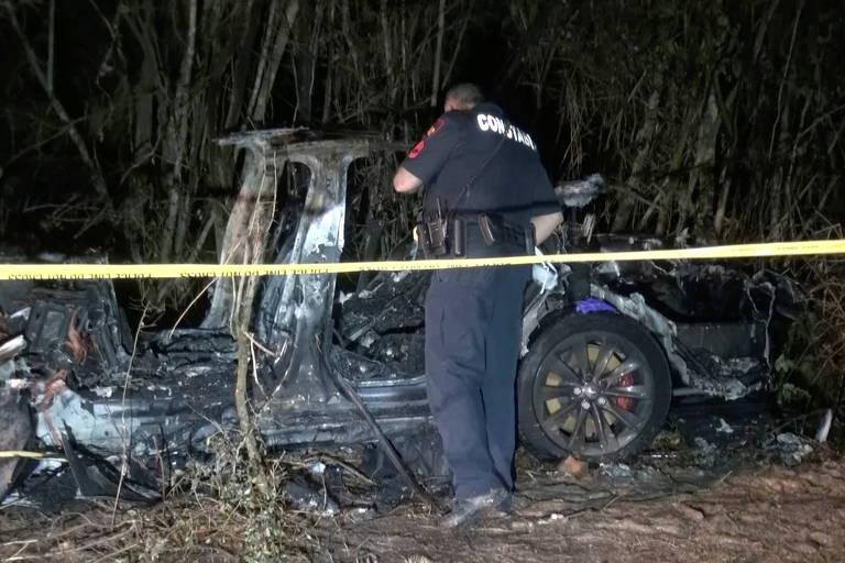 Acidente com Tesla mata dois nos EUA; suspeita é de falha no piloto automático