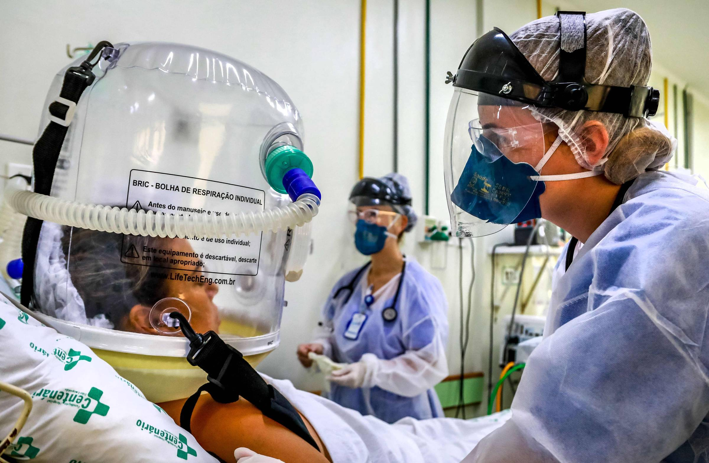 UTIs seguem lotadas mesmo em capitais com vacinação abaixo dos 45 anos