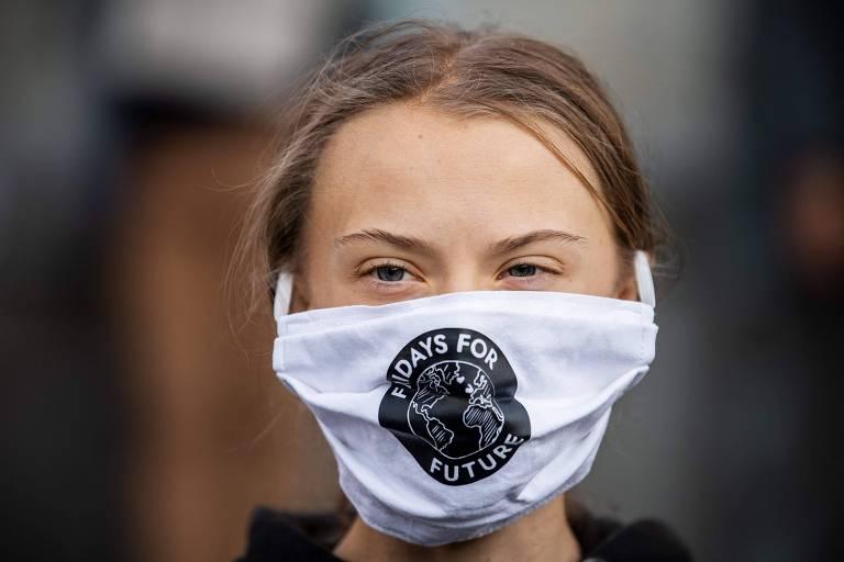 A ativista ambiental Greta Thunberg, 18, em protesto em frente ao Parlamento da Suécia, em Estocolmo