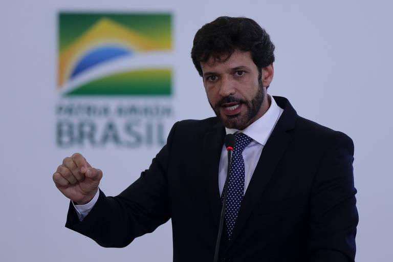 Ex-ministro de Bolsonaro, deputado quer que Renan Calheiros seja impedido de relatar CPI da Covid