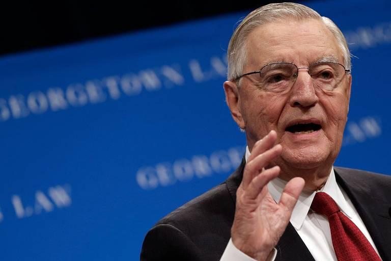 Walter Mondale, vice de Jimmy Carter nos EUA, morre aos 93 anos