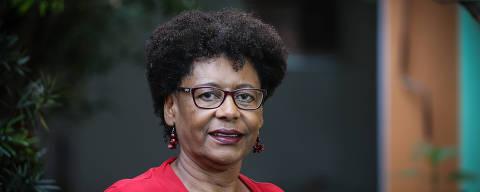 SAO PAULO/ SP, BRASIL, 28-10-2019: Retratos da nova colunista da Folha, Cida Bento,  que é diretora-executiva do Ceert (Centro de Estudos das Relações de Trabalho e Desigualdades).   (Foto: Zanone Fraissat/Folhapress, COTIDIANO)***EXCLUSIVO****