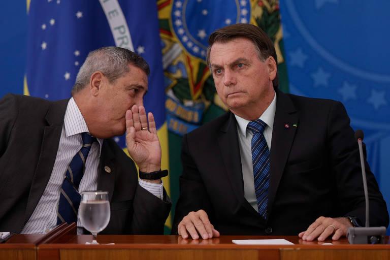 Militares mantêm escolta política e retórica golpista de Bolsonaro