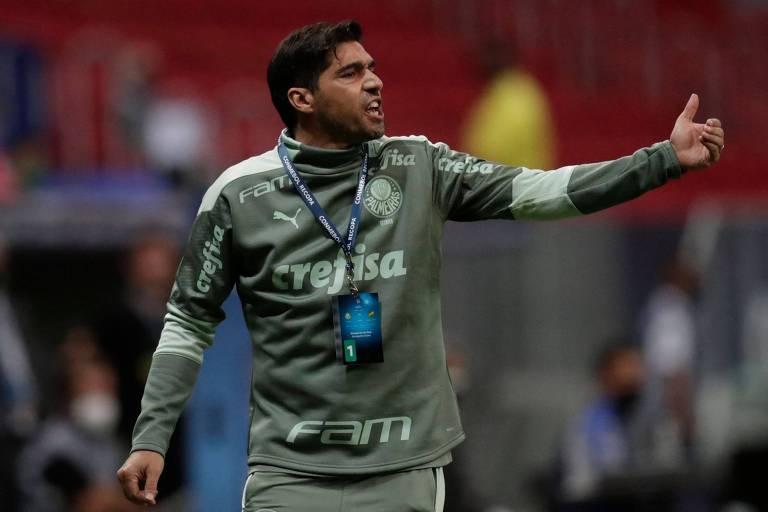 Abel Ferreira durante partida entre Palmeiras e Defensa y Justicia pela Recopa Sul-Americana