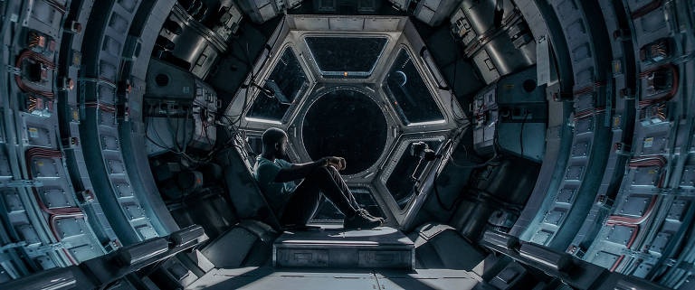 Confira cenas do filme 'Passageiro Acidental'