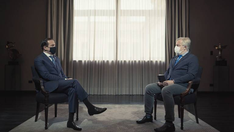 João Doria (esq.) é entrevistado por Álvaro Pereira Júnior em 'A Corrida das Vacinas'