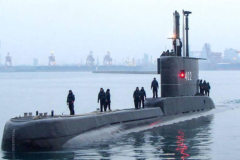 O submarino KRI Nanggala-402, que desapareceu nesta quarta (21), na base naval de Surabaya