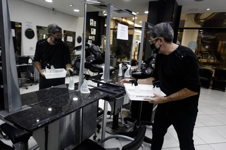 Salões de beleza voltam a abrir e apostam em protocolos para conquistar clientes