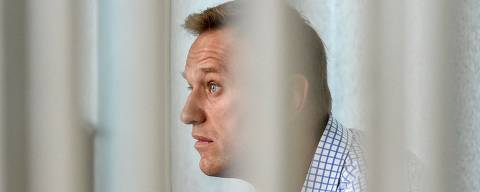 (FILES) In this file photo taken on June 24, 2019 Russian opposition leader Alexei Navalny attends a hearing at a court in Moscow. - Jailed Kremlin critic Alexei Navalny said on April 23, 2021, that he was halting his three-week hunger strike and thanked his supporters. (Photo by Vasily MAXIMOV / AFP)