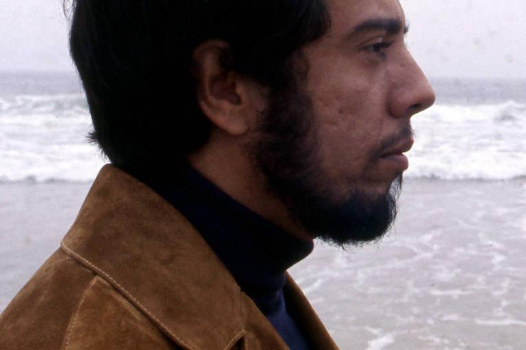 Sérgio Mendes canta com Pelé e ri com Harrison Ford em documentário na HBO