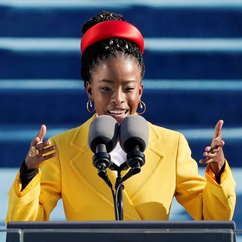 American poet Amanda Gorman reads a poem during the 59th Presidential Inauguration at the U.S. Capitol in Washington January 20, 2021. Patrick Semansky/Pool via REUTERS     TPX IMAGES OF THE DAY ORG XMIT: GDN