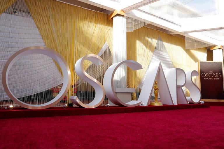 Letreiro do Oscar é montado no tapete vermelho da edição de 2020 do prêmio