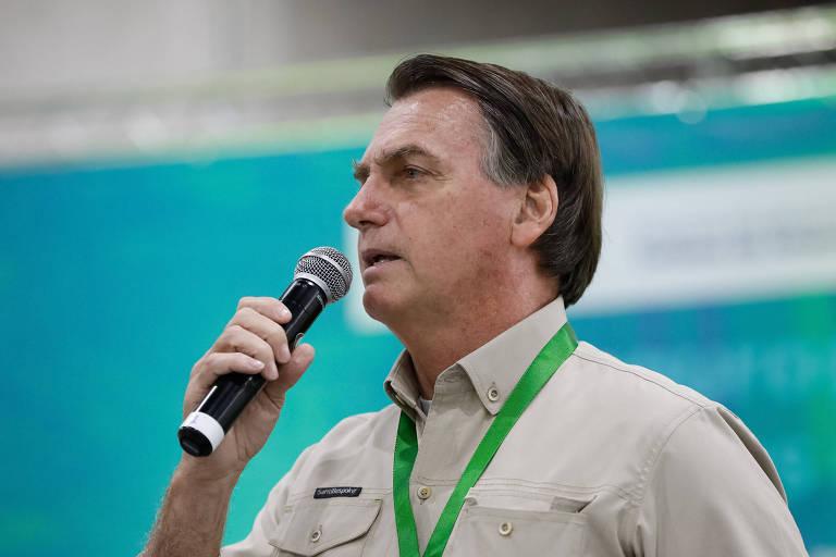 Bolsonaro afirma que Exército pode ir para a rua acabar com 'covardia de toque de recolher'