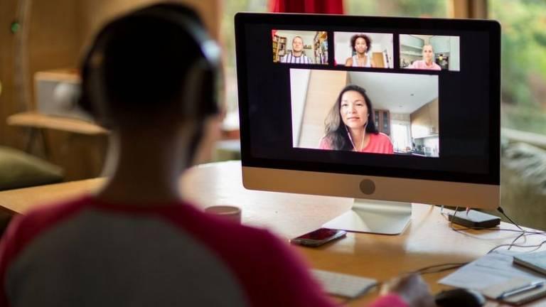 Mesmo durante as agora frequentes videoconferências, podemos analisar o estilo de comunicação dos outros colegas