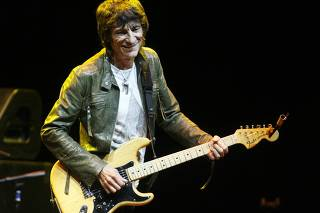 To match Reuters Life! MUSIC-RONNIEWOOD/