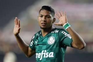 Copa Libertadores - Group A - Universitario v Palmeiras