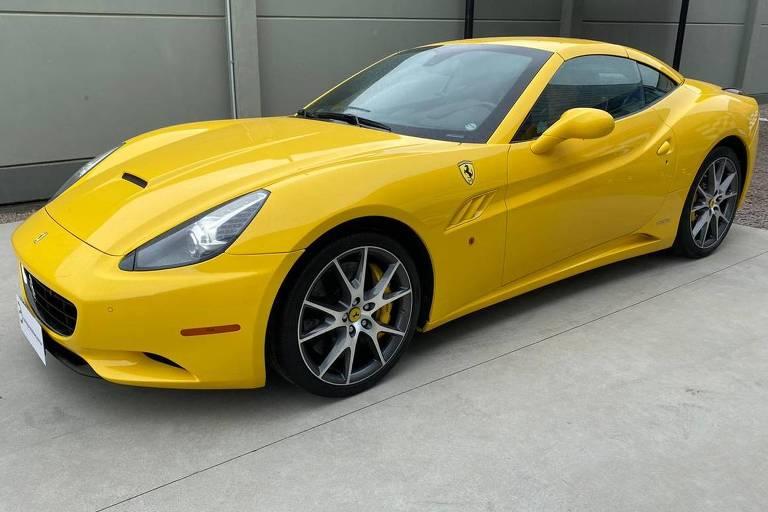 Ferrari Califórnia apreendida na Operação Jóias do Oceano