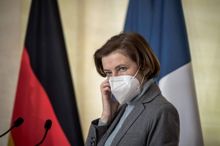 Governo francês pede punição a militares que ameaçaram 'intervenção' em carta aberta