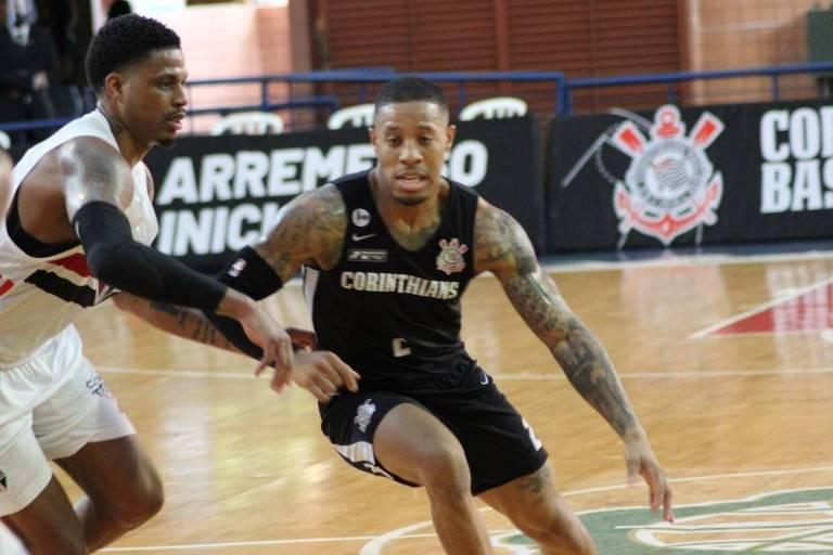 São Paulo e Corinthians defendem tabus em clássicos no basquete e no futebol