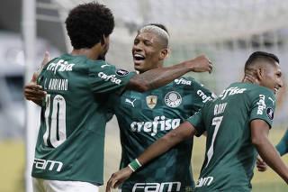 Copa Libertadores - Group A - Palmeiras v Independiente del Valle