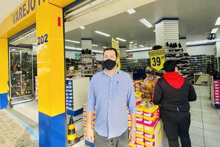 Paraguaio aproveita real desvalorizado e vai às compras no Brasil
