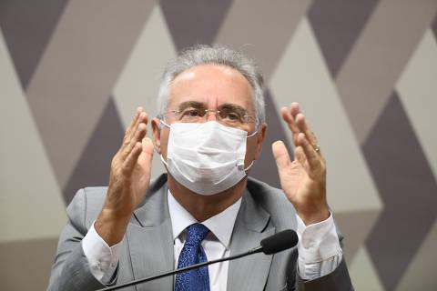 Com 'sete vidas' na política, Renan ressurge, admite erros, relembra embates e vira tormenta de Bolsonaro