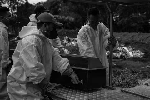 O luto e a conversa política no primeiro Natal pós-pandemia