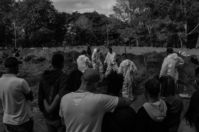 Brasil chega aos 400 mil mortos por Covid