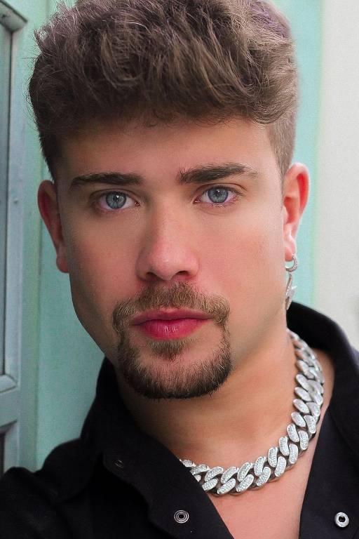 Imagens do ator Luis Mariz