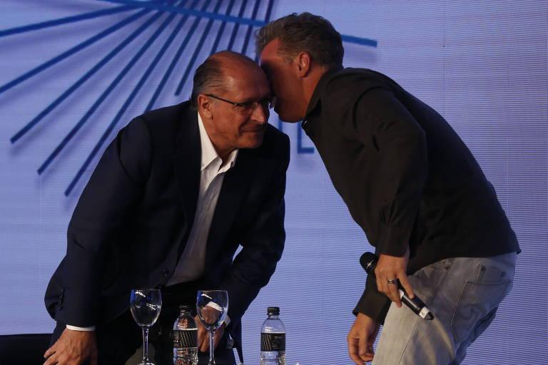 Pré-candidato oculto, Huck procura Alckmin e ouve palavras de incentivo em conversa sobre 2022