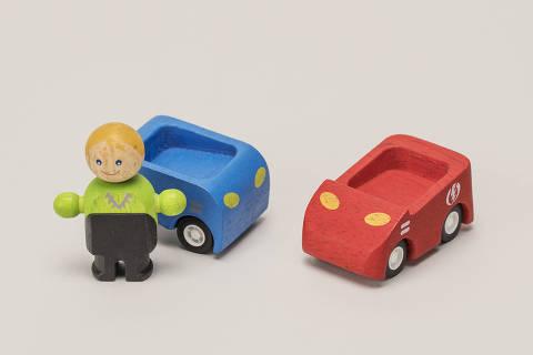 Sao Paulo, , BRASIL, 08-04-2021:  O Melhor de Sao Paulo.Servicos:  Still de objetos:  Transportes. Aluguel de carro. Dois carrinhos (Foto: Eduardo Knapp/Eduardo   Knapp, Revista Sao Paulo).