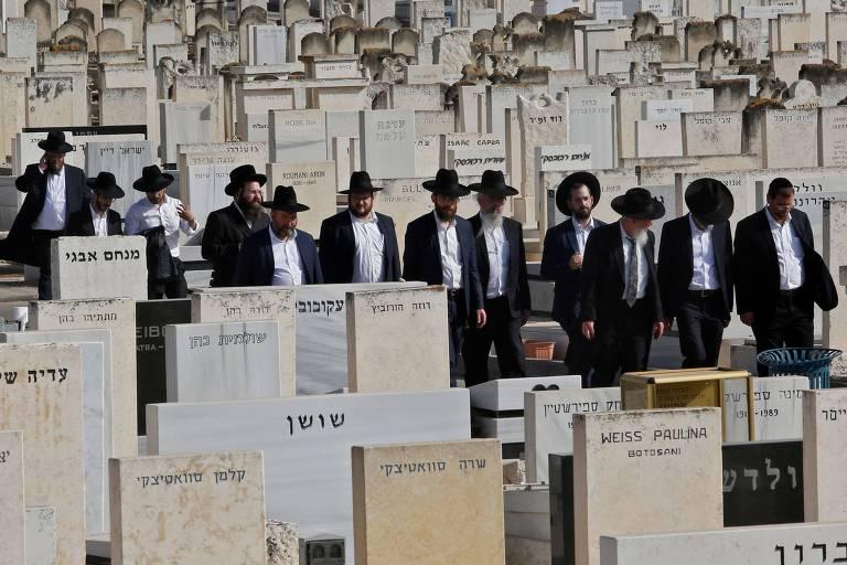 Em luto, Israel amplia esforços para identificar vítimas de tragédia durante evento religioso
