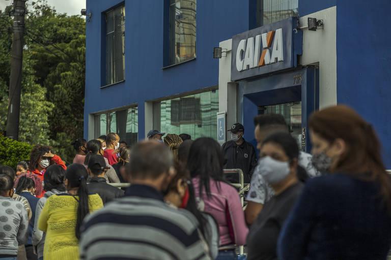 Agência da caixa na avenida Sapopemba, zona leste de São Paulo