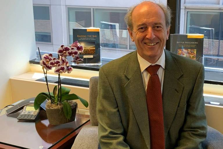 Martin Rama, economista-chefe do Banco Mundial para América Latina e Caribe, em seu escritório