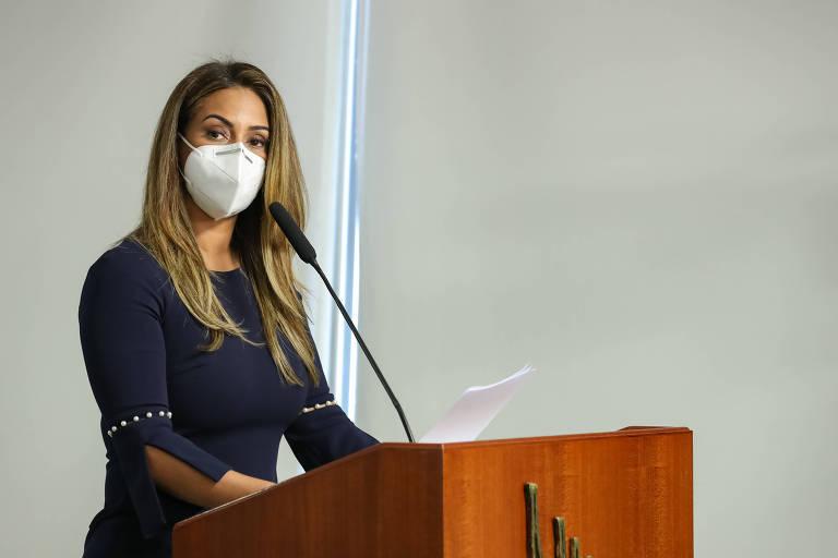 Flávia Arruda, deputada federal pelo PL do Distrito Federal, em posse como ministra da Secretaria de Governo
