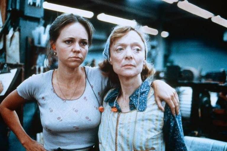 Sally Field and Barbara Baxley in Norma Rae (1979)
