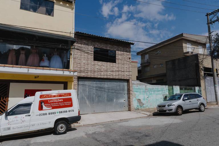 Fachada do escritório do advogado Caio Peres de Souza, montado no segundo andar de sua casa em São Miguel Paulista, no extremo da zona leste de São Paulo