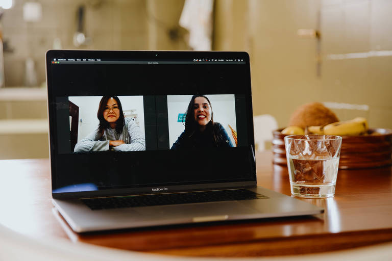Luciana Tanoue e Mayra Alma, da Cuida-te, criada diretamente no digital