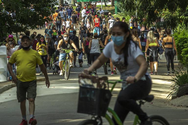 Parque Ibirapuera têm lotação e usuários sem máscaras