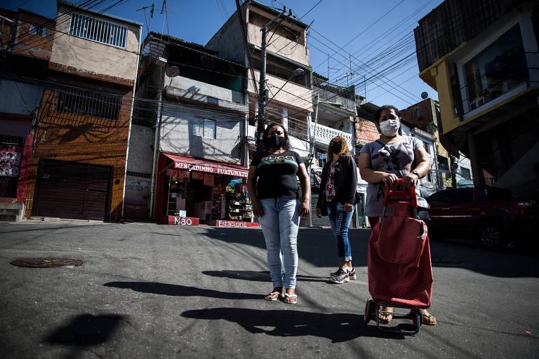 Trabalhadoras domésticas veem a renda encolher na pandemia